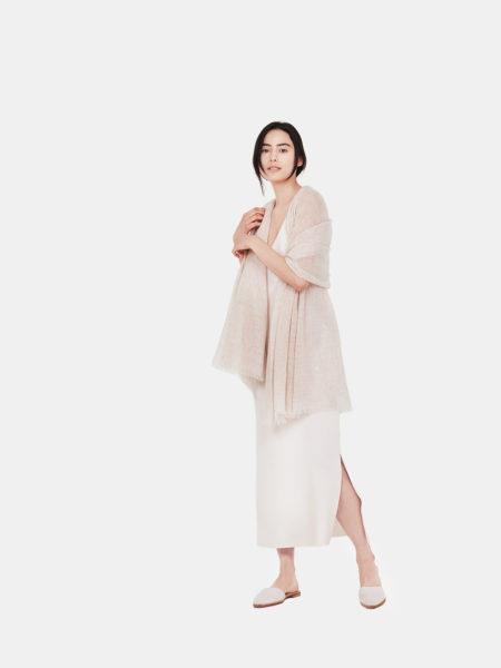 airy-cashmere-shawl-beige-f2