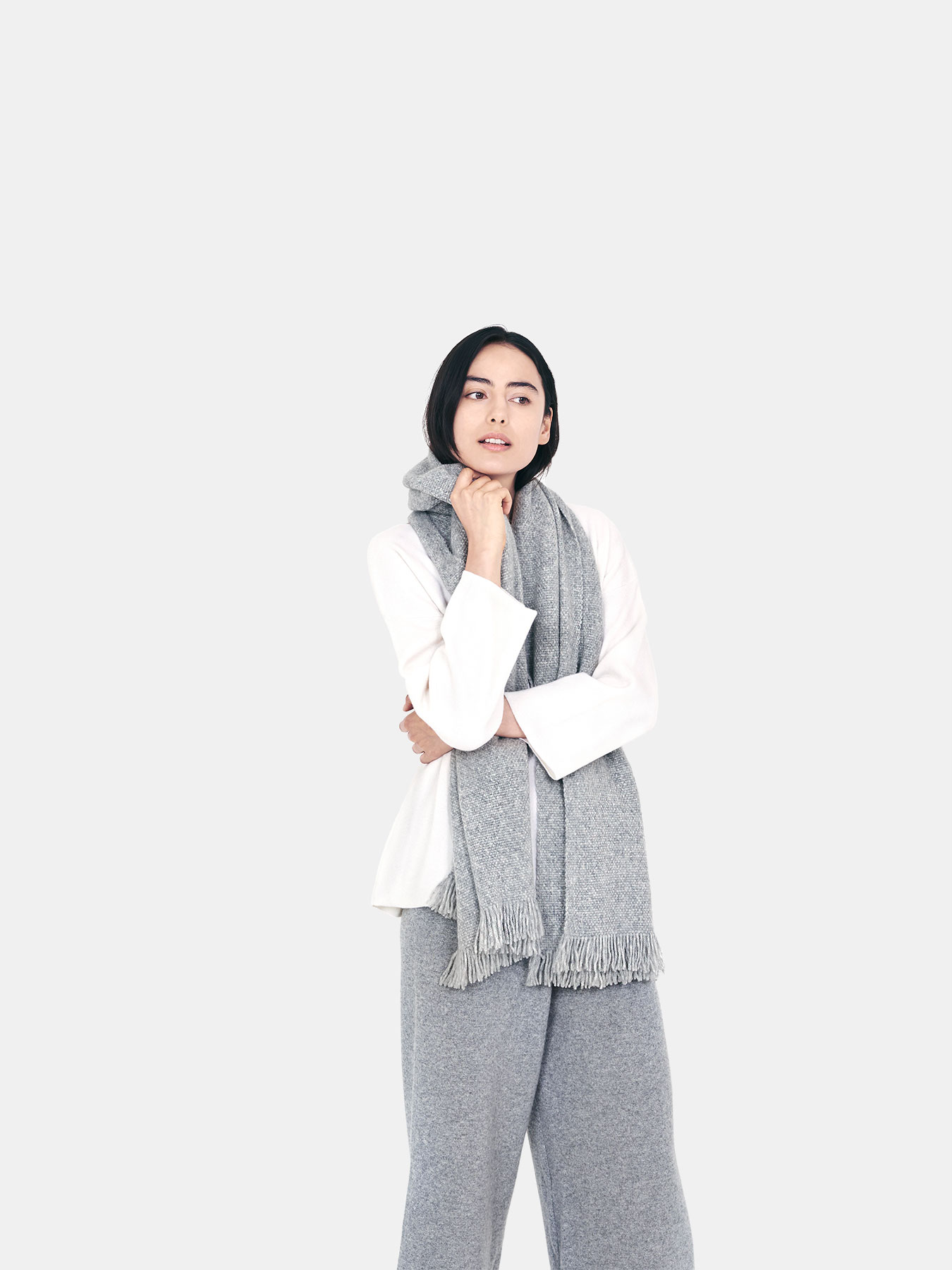 Classic-Knitted-Cashmere-Scarf-Grey-c.2