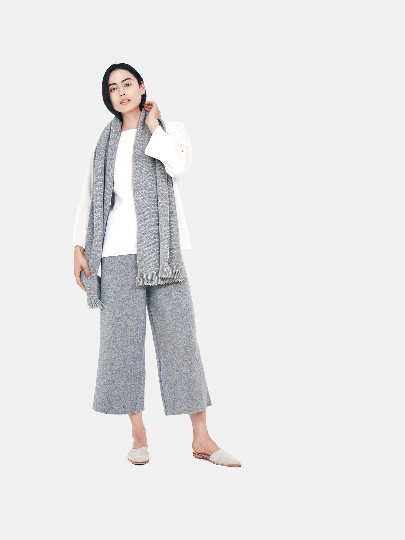 Classic-Knitted-Cashmere-Scarf-Grey-f.2