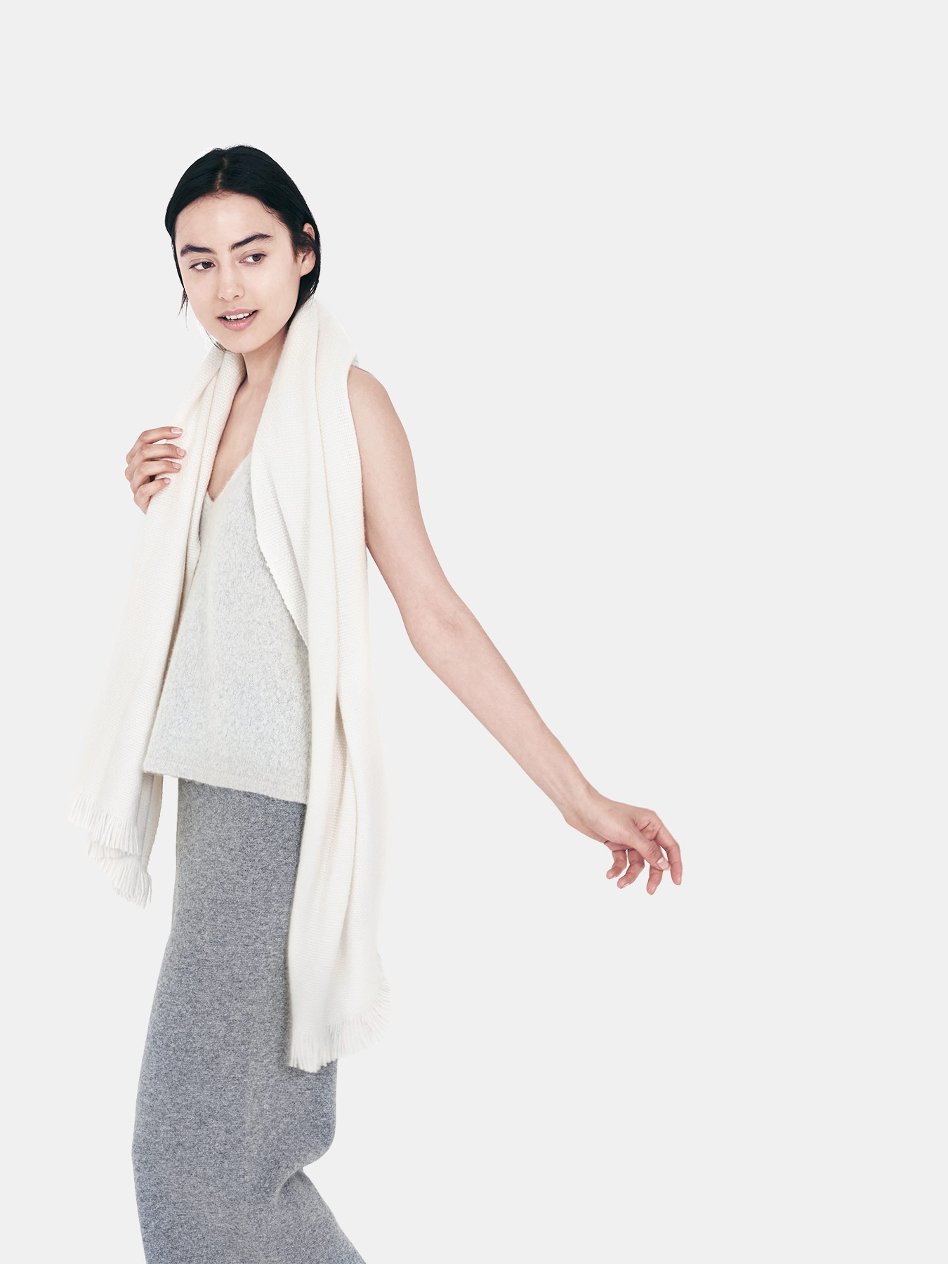 classic-knitted-cashmere-scarf-ivory-s