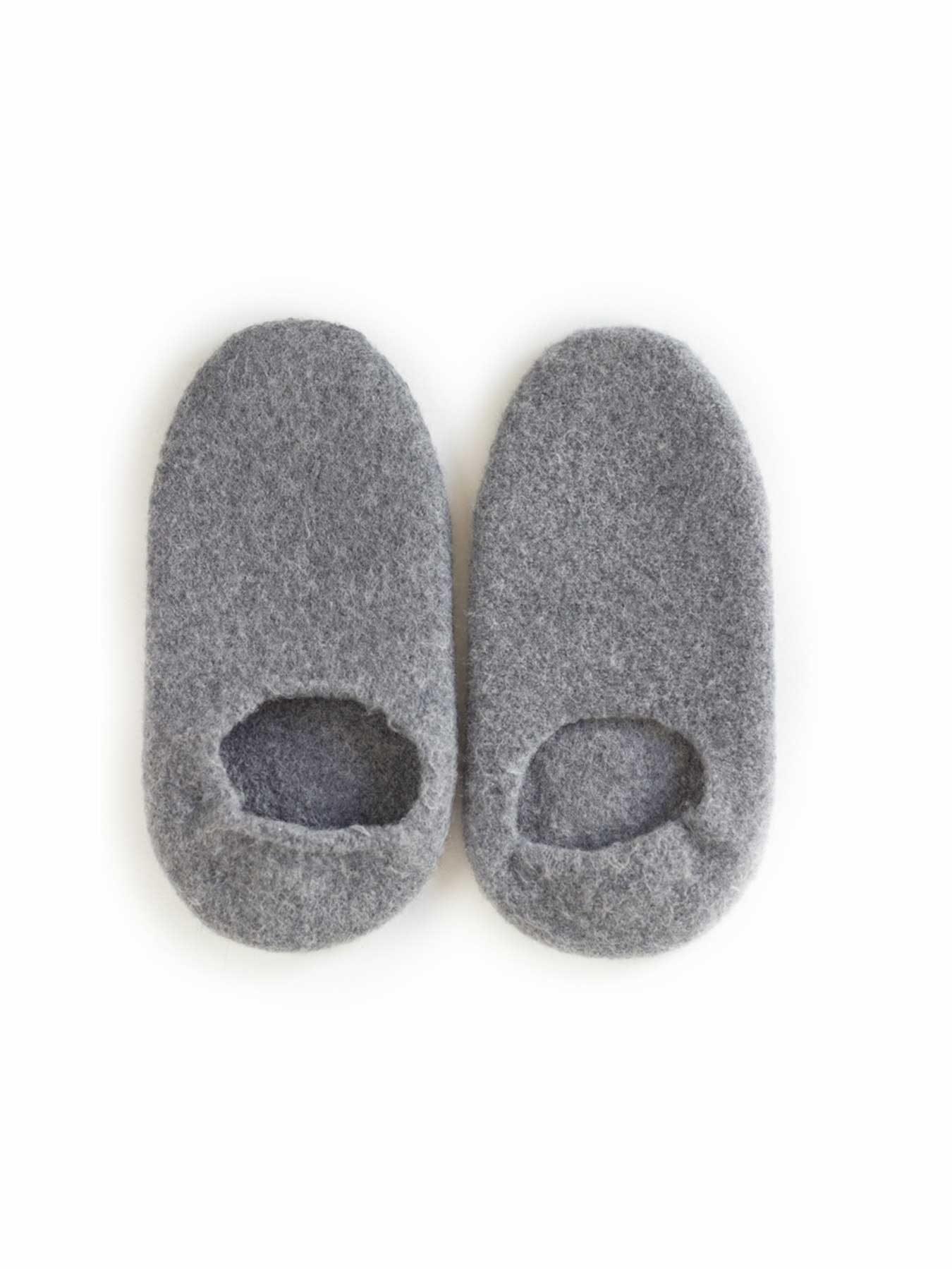 snug-wool-slipper-grey1