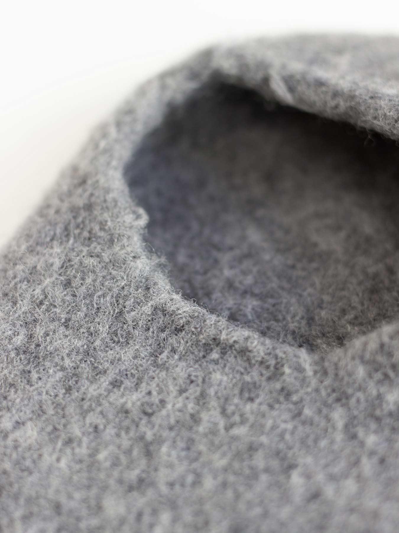 snug-wool-slipper-grey2