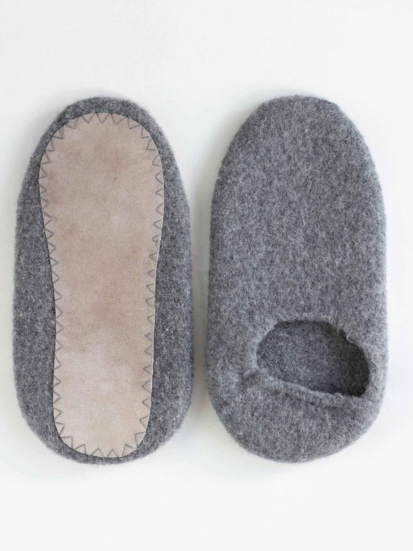 snug-wool-slipper-grey4